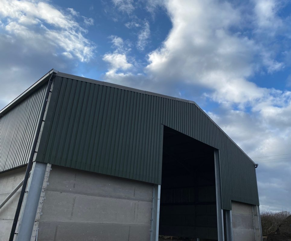 1000T Grain Store with concrete panels to a height of 3M.